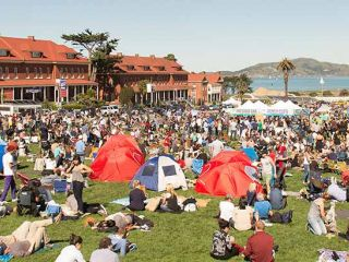 Grab your blanket and meet at the Presidio for a picnic like no other. Presidio Picnic features international food and drink from the best of the Bay Area food scene, lawn games, music, yoga classes, iconic views of San Francisco Bay, and much more.
